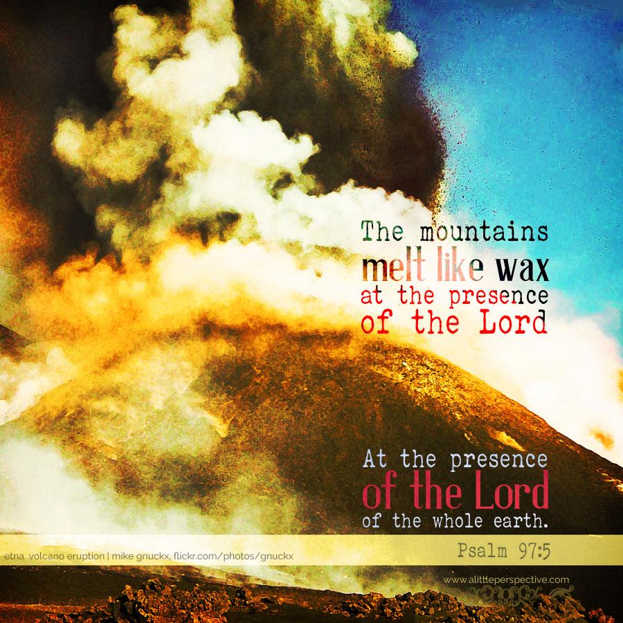 Psa 97:5